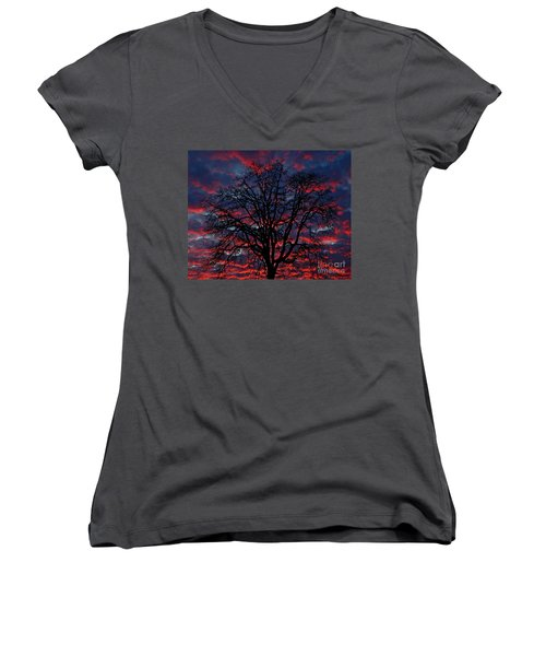 Lake Oswego Sunset Women's V-Neck T-Shirt