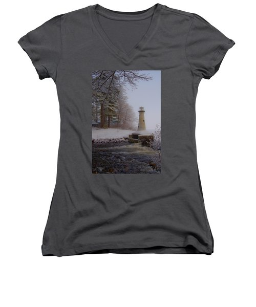 Lake Potanipo Lighthouse Women's V-Neck T-Shirt