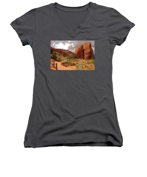 Landscape Arch - Utah Women's V-Neck (Athletic Fit)
