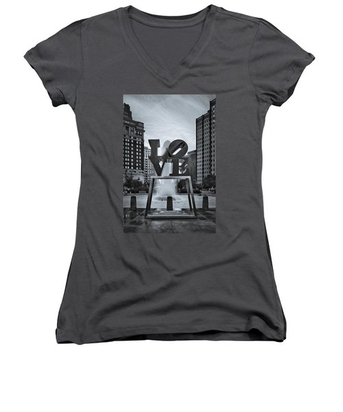 Love Park Bw Women's V-Neck
