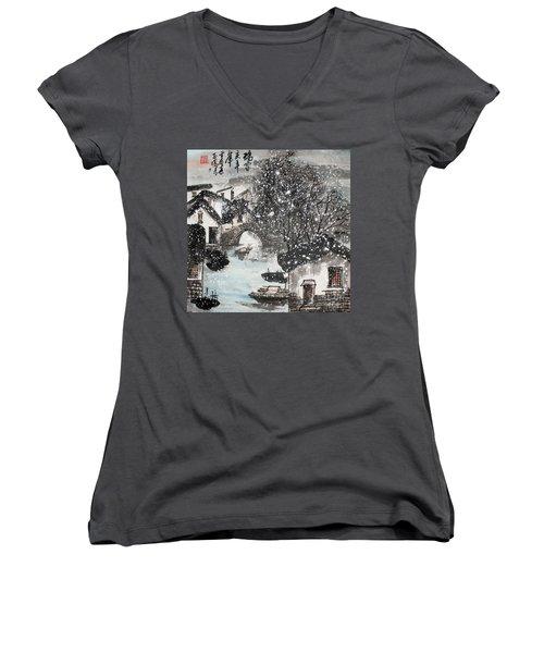 Lucky Snow  Women's V-Neck T-Shirt (Junior Cut) by Yufeng Wang