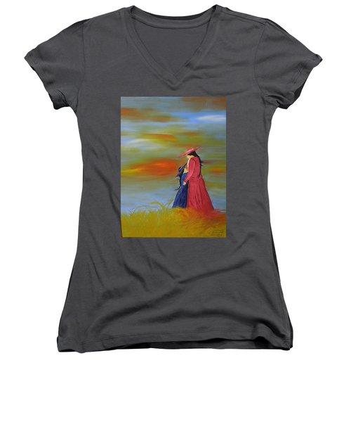 Mama's Love Women's V-Neck T-Shirt