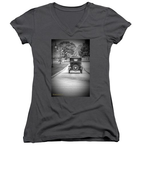 Model T Ford Down The Road Women's V-Neck T-Shirt