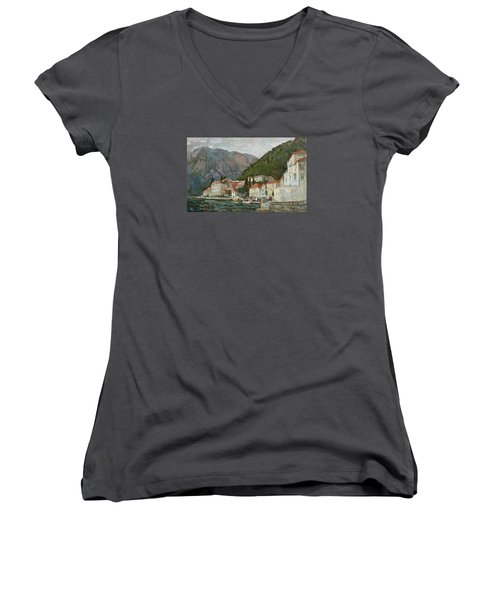 Montenegrin Venice Women's V-Neck T-Shirt