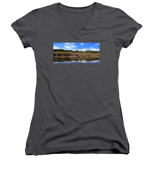 Mount Meeker - Panorama Women's V-Neck (Athletic Fit)