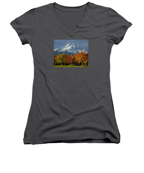1m5117-mt. Hood In Autumn Women's V-Neck (Athletic Fit)