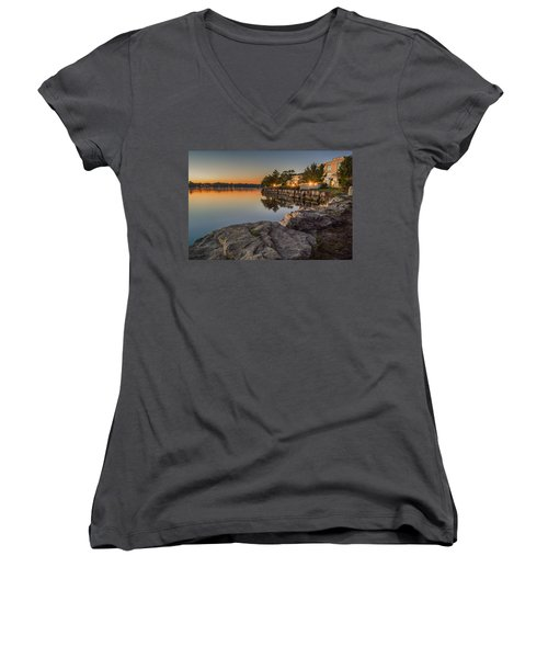 Niagara On The Lake  Women's V-Neck