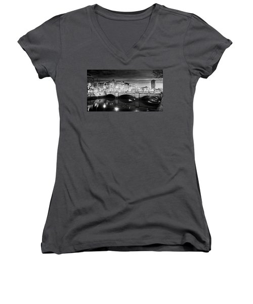 O Connell Bridge At Night - Dublin - Black And White Women's V-Neck (Athletic Fit)