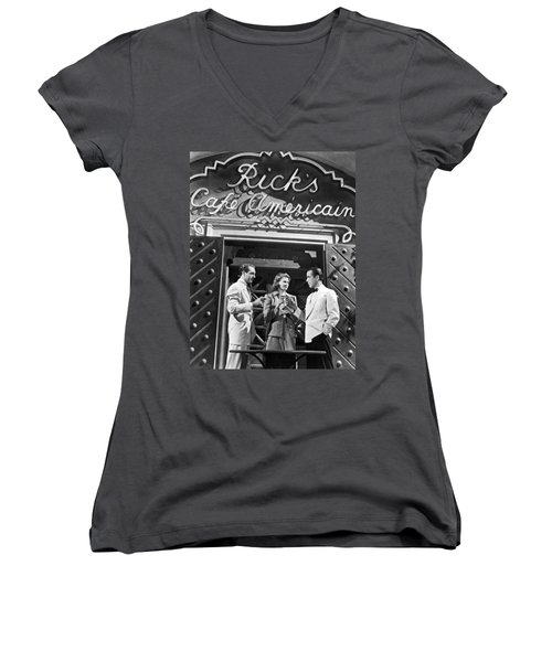 On The Casablanca Set Women's V-Neck (Athletic Fit)