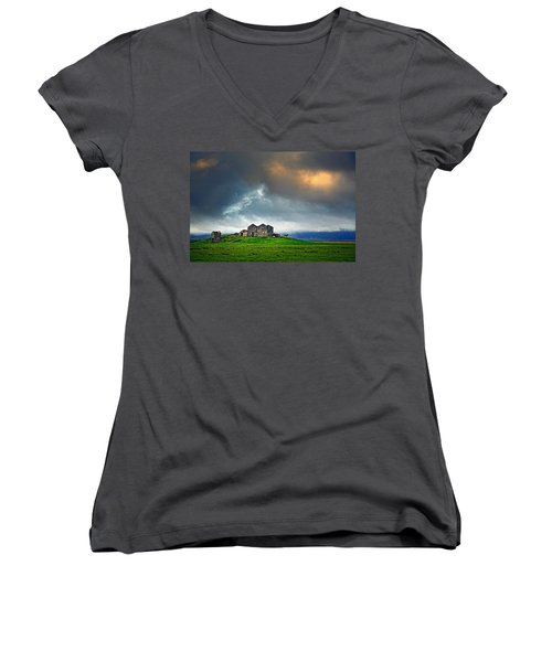 On The Road To Hofn Women's V-Neck T-Shirt