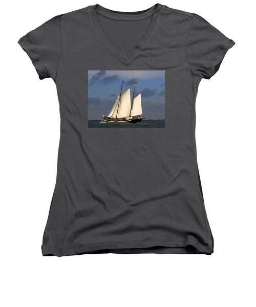 Paint Sail Women's V-Neck