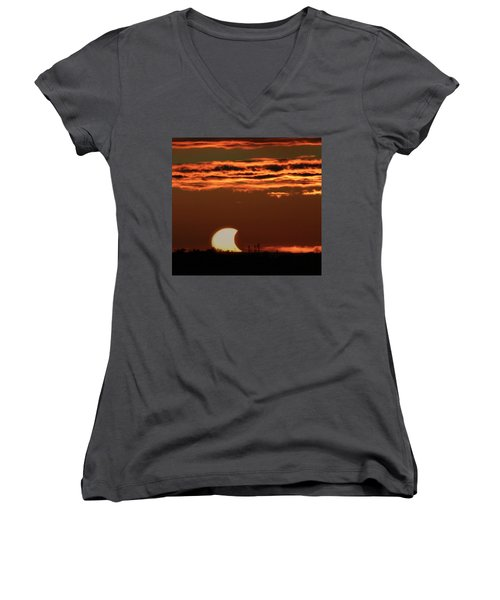 Pac-man Sun Women's V-Neck T-Shirt