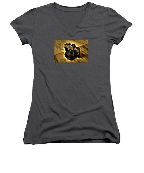 Porst Flex Slr Women's V-Neck T-Shirt (Junior Cut) by Salman Ravish