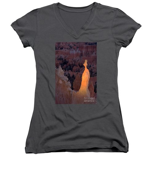 Rabbit Sunset Point Bryce Canyon National Park Women's V-Neck (Athletic Fit)