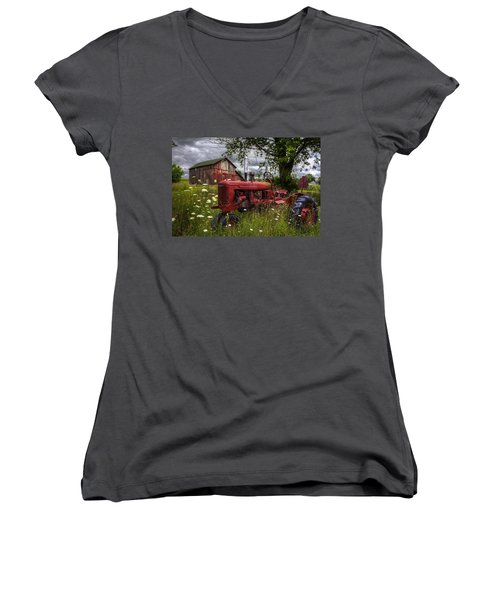 Reds In The Pasture Women's V-Neck