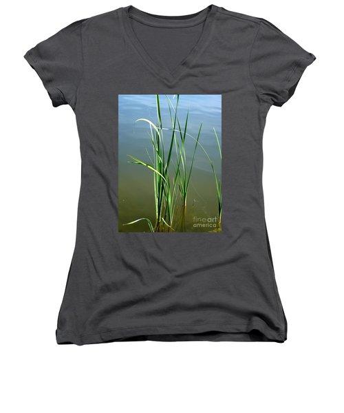 Reeds Women's V-Neck