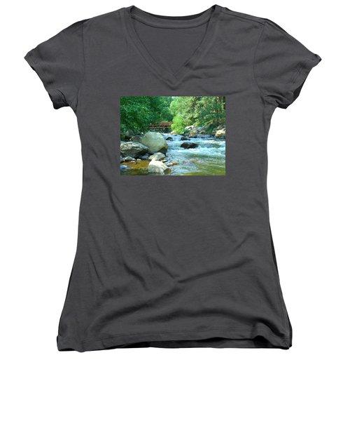 Remembering Women's V-Neck T-Shirt