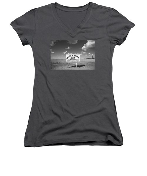 Route 66 - Midpoint Sign Women's V-Neck T-Shirt (Junior Cut) by Frank Romeo