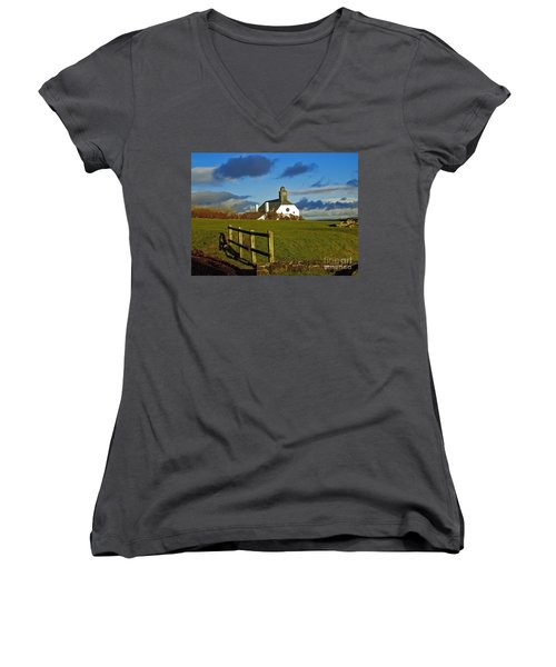 Scene From Giants Causeway Women's V-Neck (Athletic Fit)