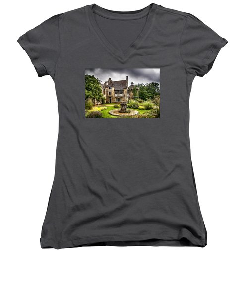 Scotney Castle 4 Women's V-Neck T-Shirt