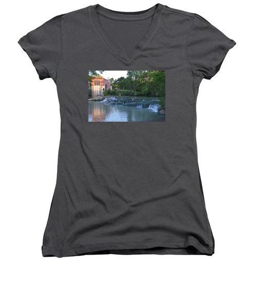 Seguin Tx 02 Women's V-Neck T-Shirt