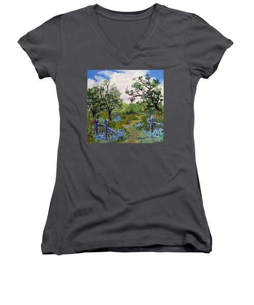 Shortcut Women's V-Neck