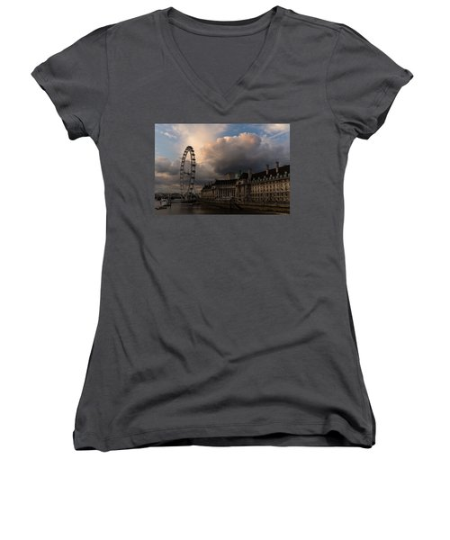 Sky Drama Around The London Eye Women's V-Neck T-Shirt