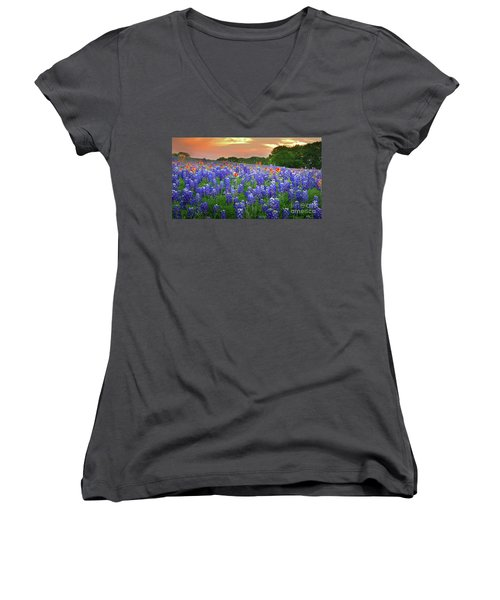Springtime Sunset In Texas - Texas Bluebonnet Wildflowers Landscape Flowers Paintbrush Women's V-Neck T-Shirt