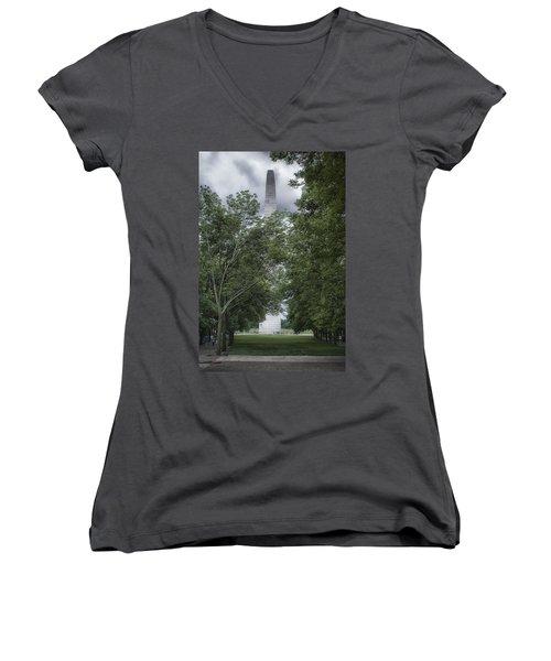 St Louis Arch Women's V-Neck T-Shirt (Junior Cut)
