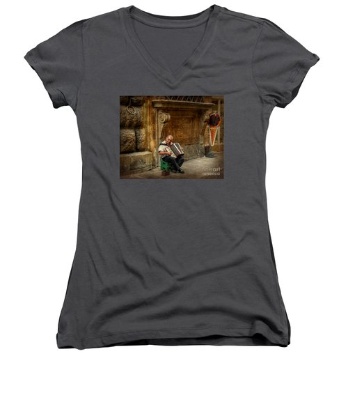 Street  Music Women's V-Neck T-Shirt