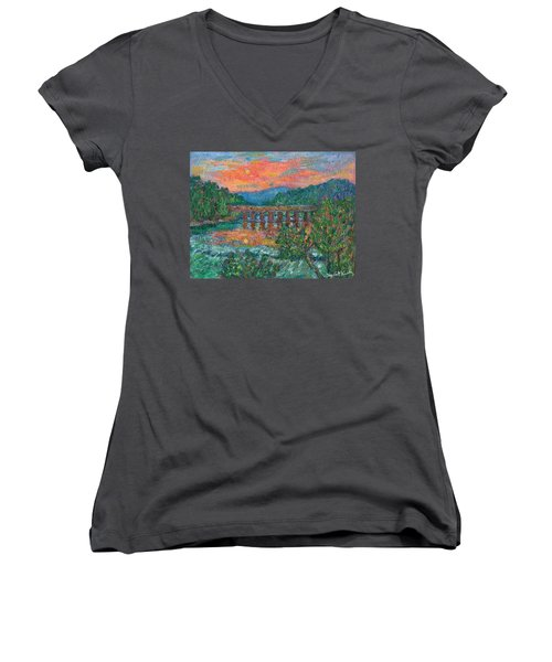 Sunset On The New River Women's V-Neck