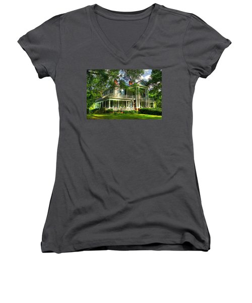 A Southern Bell The Carlton Home Art Southern Antebellum Art Women's V-Neck T-Shirt