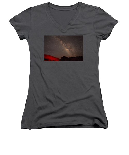 The Milky Way Over Mesa Arch Women's V-Neck T-Shirt (Junior Cut) by Alan Vance Ley