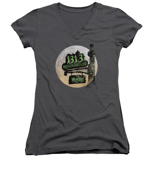 The Munsters - Moonlit Address Women's V-Neck T-Shirt