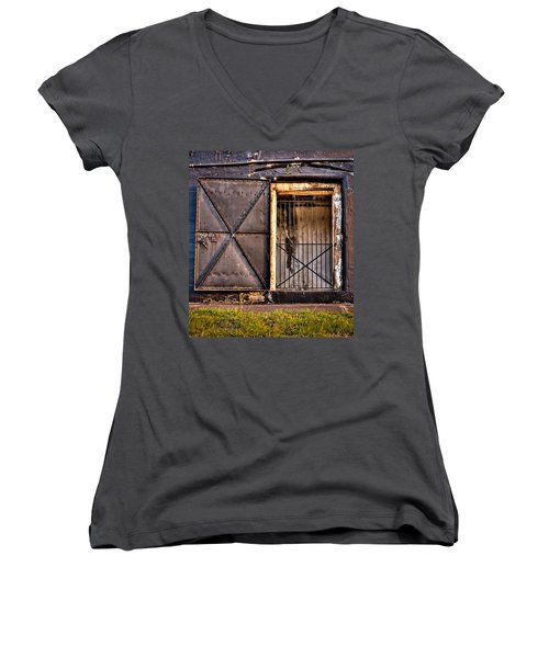 The Old Fort Gate-color Women's V-Neck T-Shirt