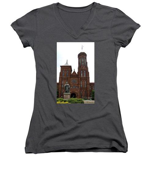 The Smithsonian - Washington Dc Women's V-Neck T-Shirt (Junior Cut)