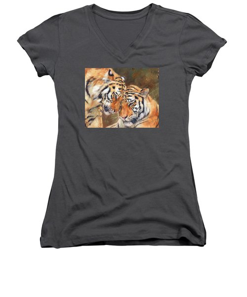 Tiger Love Women's V-Neck T-Shirt
