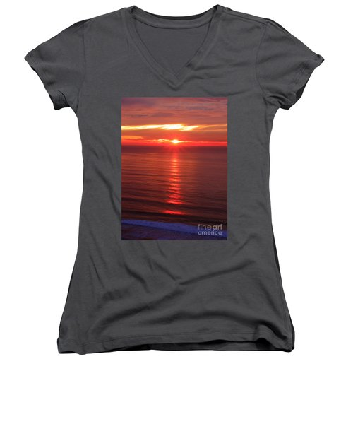 Torrey Pines Starburst Women's V-Neck (Athletic Fit)