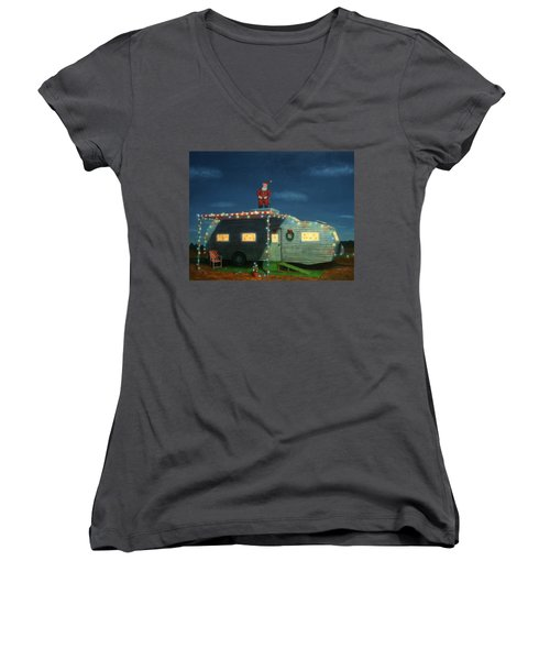 Trailer House Christmas Women's V-Neck T-Shirt
