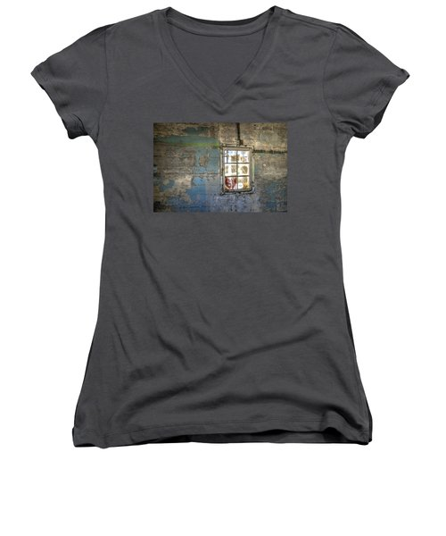 Trustee-3 Women's V-Neck