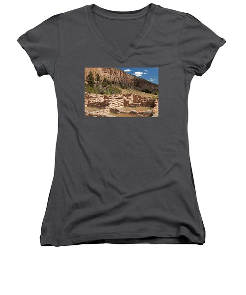 Tyuonyi Bandelier National Monument Women's V-Neck (Athletic Fit)