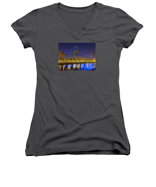 Vincent Thomas Bridge - Nightside Women's V-Neck T-Shirt