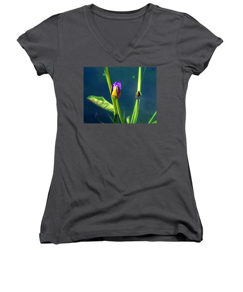 Water Lily 005 Women's V-Neck T-Shirt
