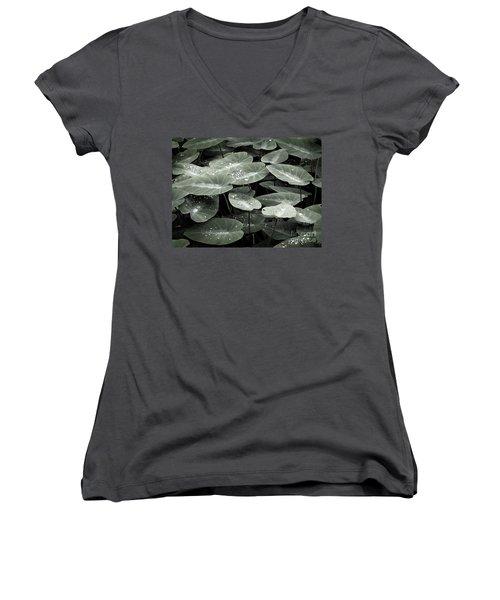 Women's V-Neck T-Shirt (Junior Cut) featuring the photograph Water On Ivy by Ellen Cotton