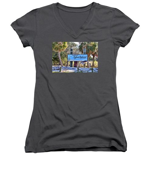 Welcome To Tybee Women's V-Neck T-Shirt