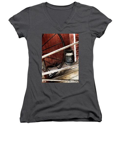 Wheels Of Time Women's V-Neck T-Shirt