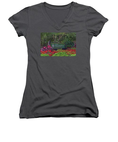 William And Mary Welcome Sign Women's V-Neck T-Shirt