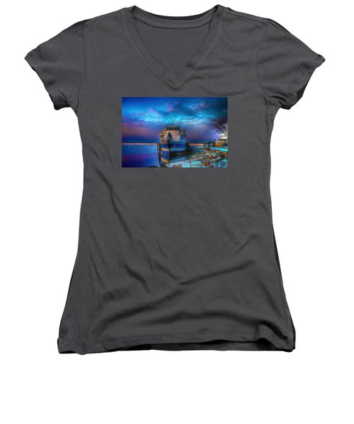 Welcome Sun Breaking The Cold Women's V-Neck (Athletic Fit)