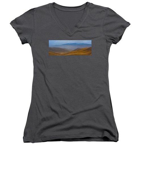 Women's V-Neck T-Shirt (Junior Cut) featuring the photograph Bakersfield Horizon by Hugh Smith