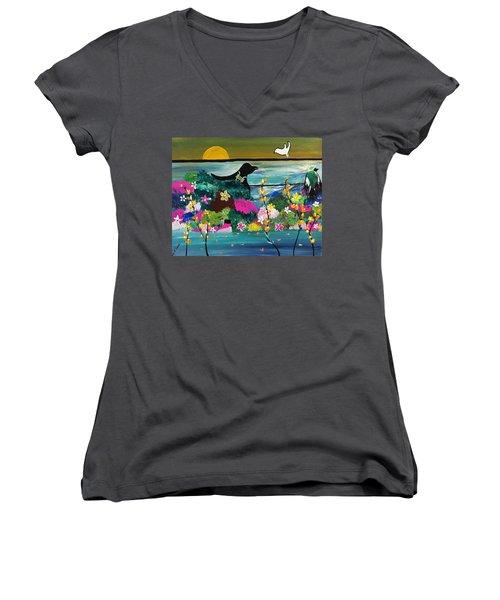Black Birds Women's V-Neck T-Shirt